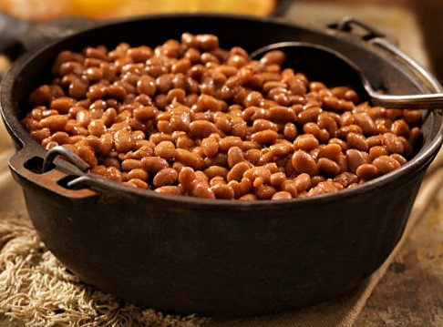 Easy Baked Beans in a Large Dish
